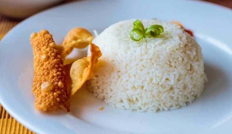 Varenie ryže v Číne, ako varia ryžu Čínania, varenie ryže podľa hrnčeka